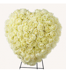 Send Heavenly Roses Heart Wreath To Cebu