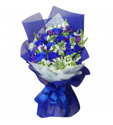 12pcs. blue roses in bouquet