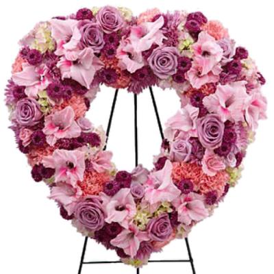 send Picture-Perfect Heart Wreath To Cebu