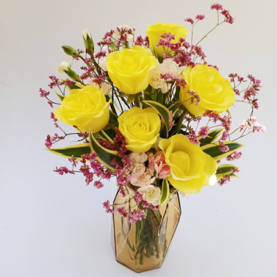 send 6 stems yellow roses in vase to cebu